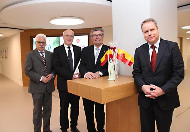 Wollen den erfolgreichen Kurs weiter fortsetzen – (v.l.) Peter Schwarze, Dr. Helmut Middeke, Landrat Friedel Heuwinkel, Ingo Breitmeier. (Foto: Kreis Lippe)