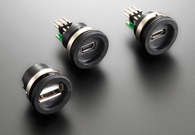 Das M16-Gehäuse ist das kleinste Gehäuse, in dem ein USB-Stecker industrietauglich untergebracht werden kann. (Foto: EVG Martens GmbH & Co. KG)