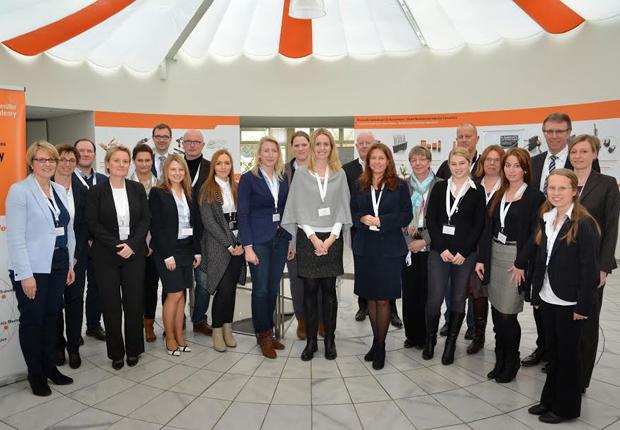 Knapp 20 Teilnehmer aus der Region diskutierten bei Weidmüller gemeinsam über die Herausforderungen der Nachwuchsgewinnung und Personalentwicklung. (Foto: Weidmüller Interface GmbH & Co. KG)