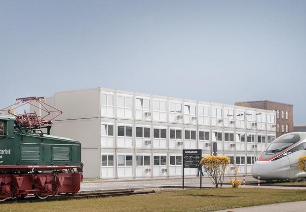 In dieser ELA-Anlage auf dem Bombardier-Gelände in Hennigsdorf sind 104 Büroarbeitsplätze und die zugehörigen Funktionsbereiche untergebracht. (Foto: ELA Container GmbH)