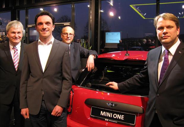 Rolf Merchel (GILDEWirtschaftsförderung), Andreas Spiegel (Breitbandkompetenzzentrum NRW), Rainer Heller (Stadt Detmold) und Joerg Kiko Pfau (B&K)  v.l.n.r. (Foto: GILDEWirtschaftsförderung)