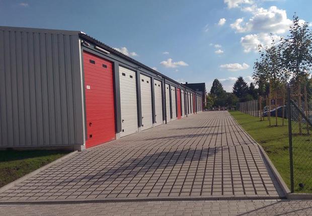 An der Rudolf-Diesel-Straße ist vor sechs Monaten der Mega- Garagenpark in Betrieb gegangen. Das Angebot stellt für Gewerbetreibende eine bedarfsgerechte Alternative zu Hallen dar. (Foto: WFM)