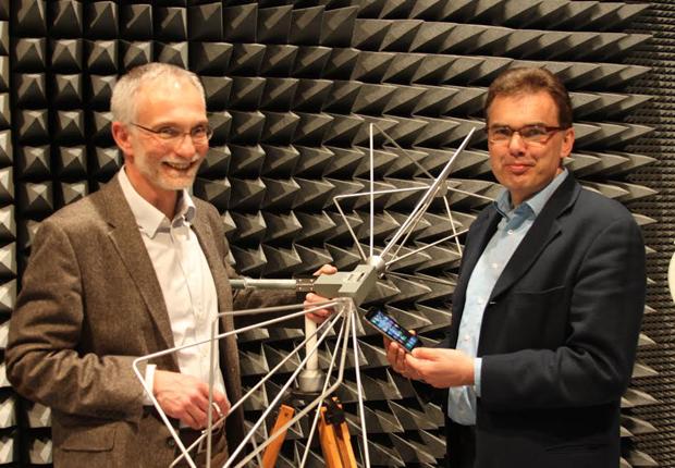 Die Professoren Uwe Meier (links) und Jürgen Jasperneite vom inIT gehen mit Zuversicht in die neue Entwicklung. (Foto: CIIT)