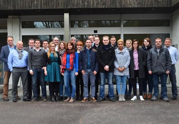 Am Mittwoch starteten die Young Talents der Tönsmeier Gruppe in das Förderprogramm für Nachwuchskräfte. (Foto: Karl Tönsmeier Entsorgungswirtschaft GmbH & Co. KG)