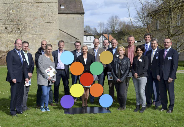 Gruppenfoto mit den Initiatoren und allen Botschaftern. (Foto: GAUSEMEIER PR)