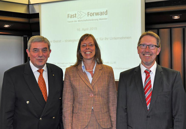 Michael von Bartenwerffer und Katharina Neuroth gingen bei Fast Forward der Wirtschaftsförderung zum Thema Unternehmensbeirat ins Detail. WFM-Mitarbeiter Günter Klemm moderierte die Veranstaltung. (Foto: WFM/Martin Rühle)