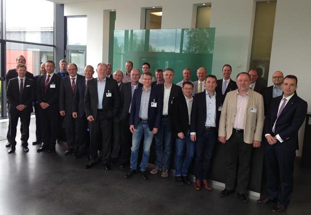 28 Unternehmer trafen sich zum Arbeitskreis Unternehmensorganisation des Branchennetzwerks OWL MASCHINENBAU. (Foto: OWL MASCHINENBAU e.V.)