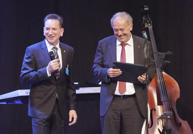 Harald Golombek und Prof Dr Dr Franz-Josef Radermacher. (Foto: B+M Blumenbecker GmbH)
