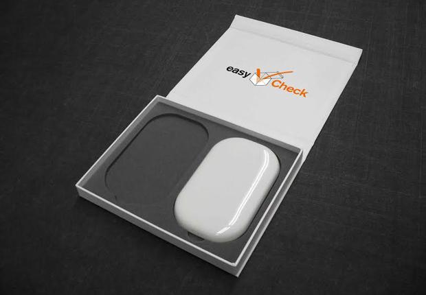 """Ein solches """"Weißmuster"""" wird nach einer ausführlichen Beratung im Rahmen von easyCheck gefertigt, um dem Kunden einen unmittelbaren optischen und haptischen Eindruck der geplanten Verpackung zu vermitteln. (Foto: Achilles)"""