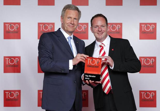 (v.l.n.r.:) Bundespräsident, Christian Wulf. Geschäftsführer der TrinityComputer.de GmbH, Marc Andre Kauffmann.