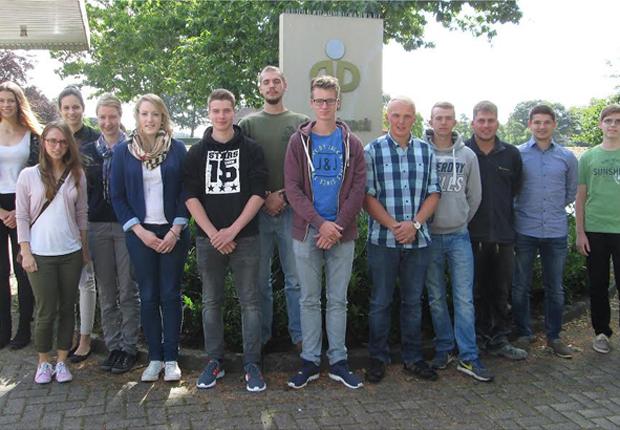 13 junge Menschen starten bei Depenbrock in ihre berufliche Zukunft. (Foto: Depenbrock Bau)