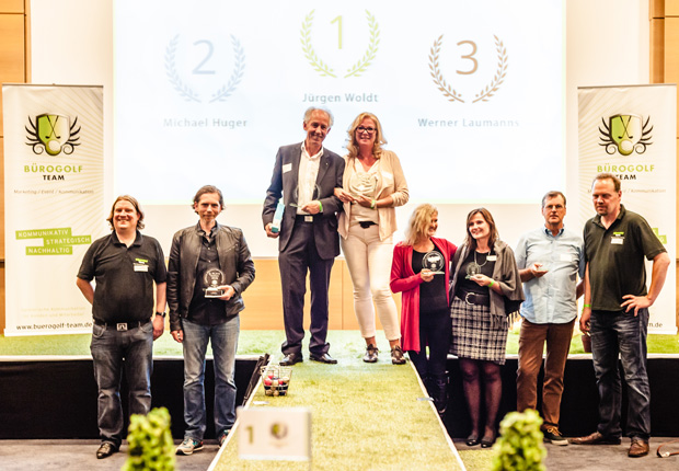 T. Dreps, Michel Huger (2.), Jürgen Woldt (1.), Petra Tandetzki (1.), Anja Sendes-Domin (2.), Renate Suchy (3.), Wener Laumanns (3.) , H. Wittlage (Foto: Bürogolf Team GbR)