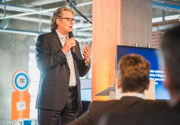 Keyspeaker Dr. Viktor Oubaid, leitender Psychologe am Deutschen Institut für Luft- und Raumfahrt, zuständig für die Personalauswahl von Piloten und Astronauten. (Foto: Ld 21 academy GmbH)