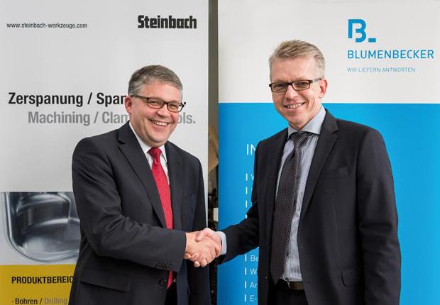 Christian Michel und Blumenbecker Geschäftsführer Olaf Lingnau (Foto: B+M Blumenbecker GmbH)
