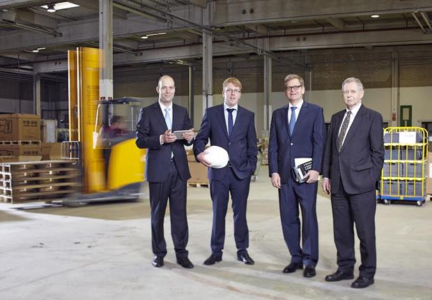 Zukunftsorientiert: Matthias Smeddinck, Thomas Kamp, Jörg und Willi Hartmann (Foto: Hartmann & Associates GmbH)
