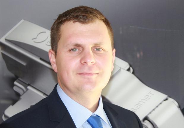 Mariusz Pawlak (35) heißt der neue Mann im Samet-Team. Seit dem 1. Oktober 2015 ist er als festangestellter Samet-Repräsentant für Industriekunden zuständig. (Foto: Samet GmbH)