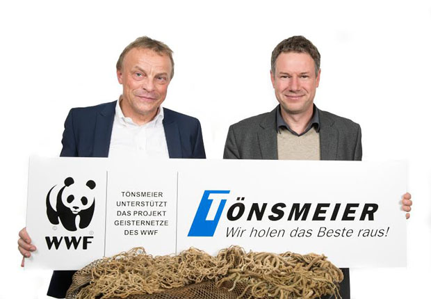 Partner im Projekt Geisternetze (v.li.): Bernd Ranneberg, Sprecher der Tönsmeier-Geschäftsführung, und Christoph Heinrich, Vorstand Naturschutz des WWF Deutschland. (Foto: Karl Tönsmeier Entsorgungswirtschaft GmbH & Co. KG)