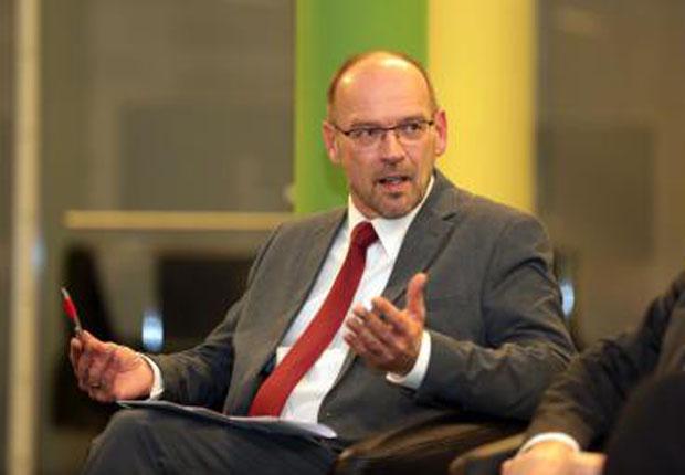 NRW-Arbeitsminister Rainer Schmeltzer betonte, dass Minijobs keine Arbeitsverhältnisse zweiter Klasse sind und warb um faire Arbeitsbedingungen. (Foto: Münsterland e.V./Kuiter)