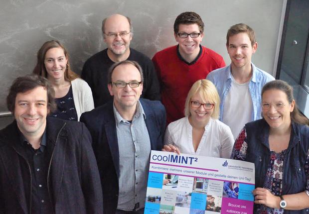 Die Organisatoren von den Instituten für Informatik und Elektrotechnik freuen sich über das neue Angebot für Schüler. (Foto: Universität Paderborn)