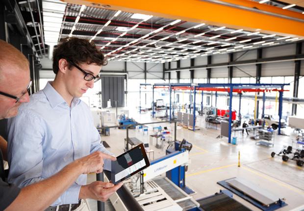 In der Demofabrik am WZL in Aachen können Unternehmen produktionssystematische Fragestellungen in einem realen Betrieb untersuchen. (Foto: www.eventfotograf.in /JRF e.V.)