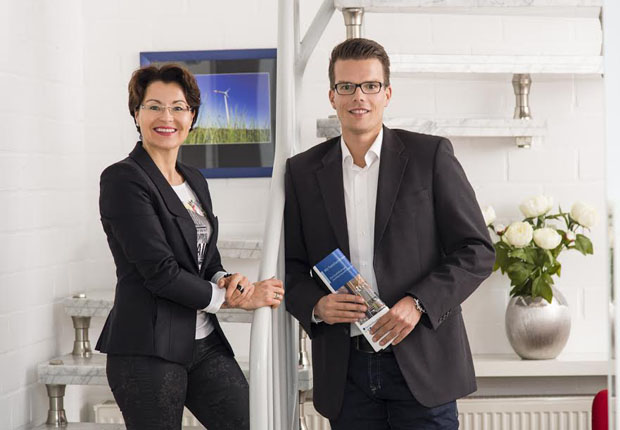 Die Prüfer Ursula Günster-Schöning und Michael Heddendorp zertifizieren familienfreundliche Arbeitgeber. (Foto: Wachstumsregion Ems-Achse e. V.)