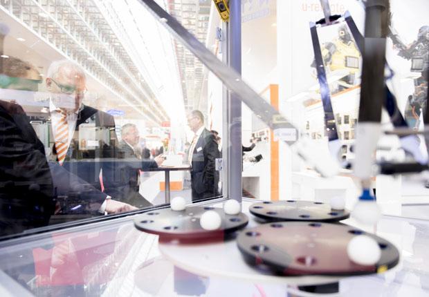 Rund 120 nationale und internationale Journalisten informierten sich im Rahmen der Hannover Messe Preview bei Weidmüller über die Lösungen der Unternehmensgruppe zu den Themen Industrie 4.0, Predictive Maintenance und Energieeffizienz. (Foto: Weidmüller)