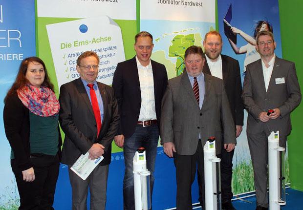 Die Mitglieder des SPD-Arbeitskreises Ernährung, Landwirtschaft, Verbraucherschutz und Landesentwicklung im Niedersächsischen Landtag mit Arbeitskreis-Sprecher Wiard Siebels (3. v.l.) und Ems-Achse-Geschäftsführer Dr. Dirk Lüerßen (rechts).