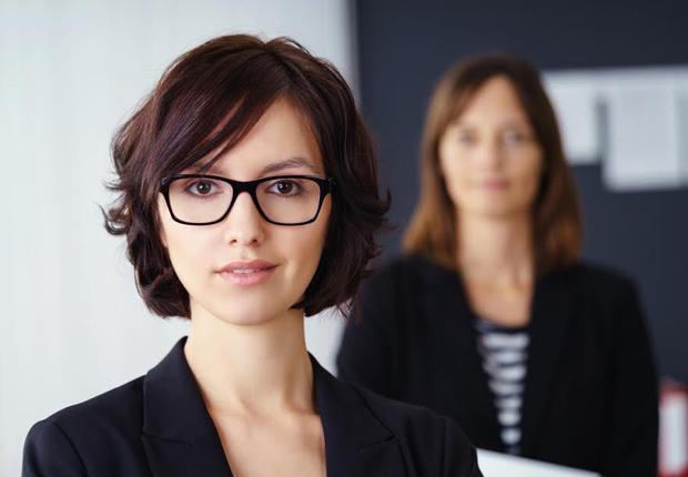txn-a. Ein Job, zwei Mitarbeiter, so funktioniert Jobsharing. Besonders für junge Mütter ist diese moderne Arbeitsform oft die ideale Lösung, um Beruf und Familie miteinander zu vereinbaren. (Foto: contrastwerkstatt/Fotolia)