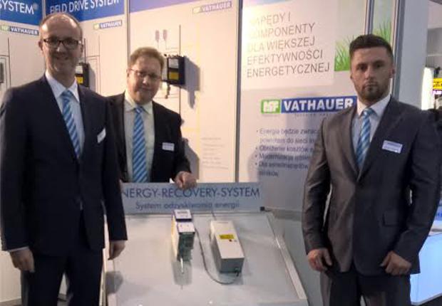 Geschäftsführer Marc Vathauer mit dem polnischen Vertrieb Sławomir Kurek und Hubert Hoffmann (Foto: MSF-Vathauer Antriebstechnik)