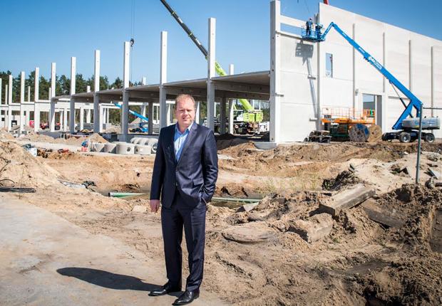B+S-Geschäftsführer Stefan Brinkmann will mit der Erweiterung am Standort Bielefeld dem wachsenden Auftragsvolumen vor allem im Lebensmittelbereich Rechnung tragen. (Foto: B+S GmbH)