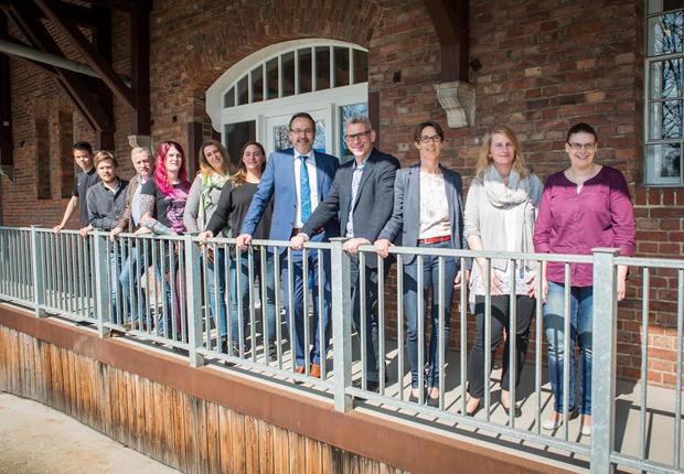 Meppens Bürgermeister Knurbein zu Gast in neuen Geschäftsräumen (Foto: Menke Werbe GmbH)