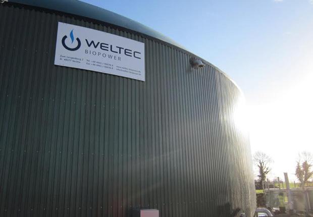 Für das Agrarunternehmen von Stephen Carson mit Sitz in Strabane (Nord- irland) baut WELTEC aktuell eine 500-Kilowatt-Anlage. Das Projekt läuft rei- bungslos und bereits im Frühsommer 2016 wird die Anlage Strom einspeisen. (Foto: WELTEC BIOPOWER GmbH)