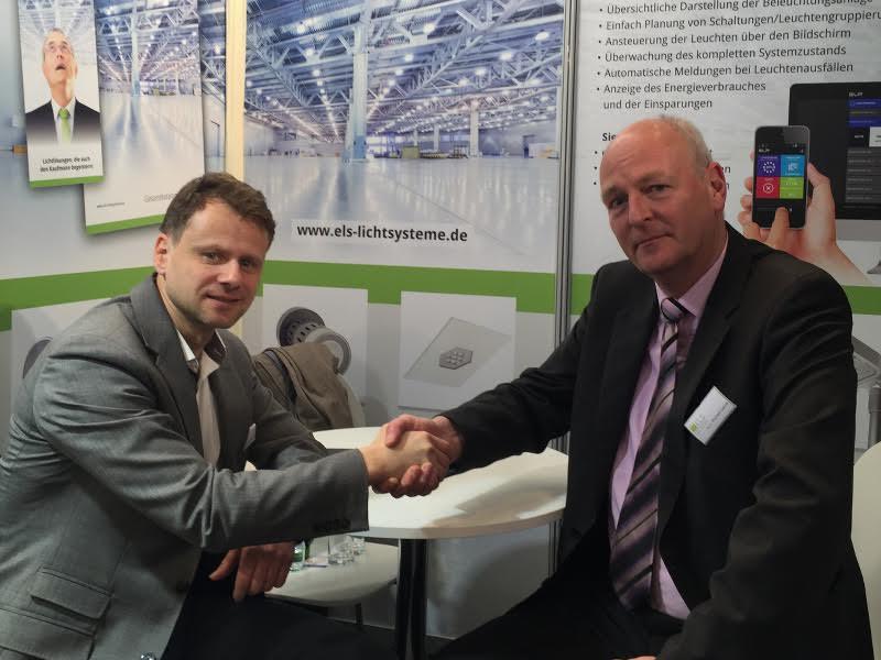 Peter Sadlon, SLE-Vertriebsleiter DACH (links) und ELS-Geschäftsführer Michael Leeuw freuen sich auf die Zusammenarbeit (Foto: ELS)