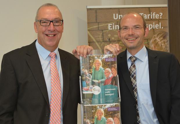 Die Stadtwerke-Geschäftsführer Willi Peters (l.) und Peter Vahrenkamp hoffen auf breite Unterstützung aus der Region, wenn das Online-Voting zum Deutschen Engagementpreis startet. (Foto: Stadtwerke Tecklenburger Land)