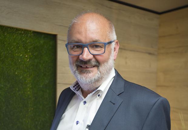 Udo Donges, geschäftsführender Gesellschafter der Febrü Büromöbel Produktions- und Vertriebs GmbH in Herford. (Foto: Febrü)