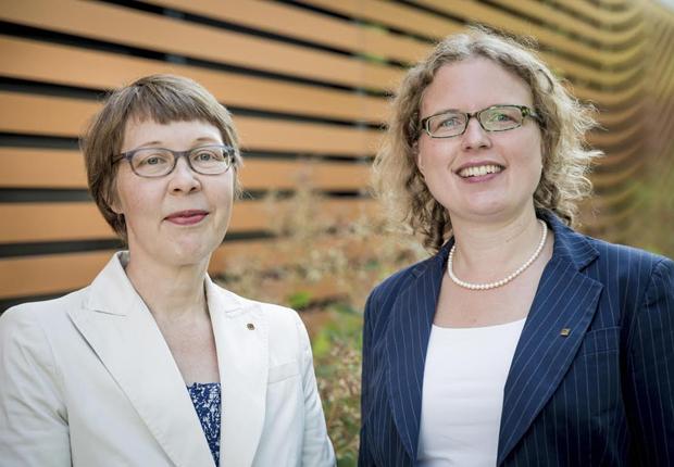 Gisela Eickhoff (links) und Ulrike Upmeyer freuen sich über die Auszeichnung. (Foto: HARTING)