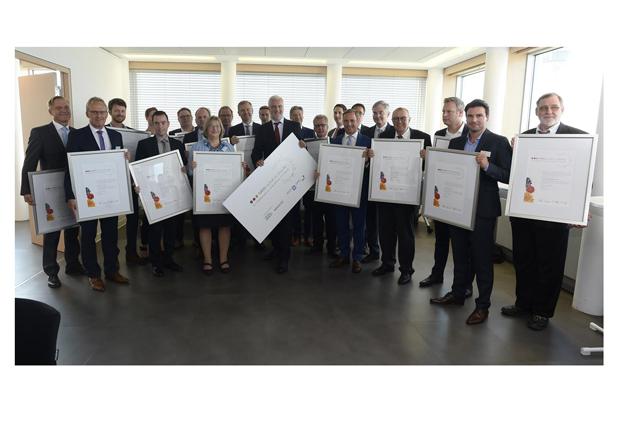 """Preisverleihung """"NRW-Wirtschaft im Wandel"""", Quelle: Ministerium für Wirtschaft, Energie, Industrie, Mittelstand und Handwerk des Landes Nordrhein-Westfalen. (Foto: BOGE)"""