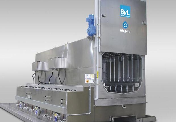 Flut-Spritz- Reinigungsanlage für Härtereien (Foto: BvL Oberflächentechnik GmbH)