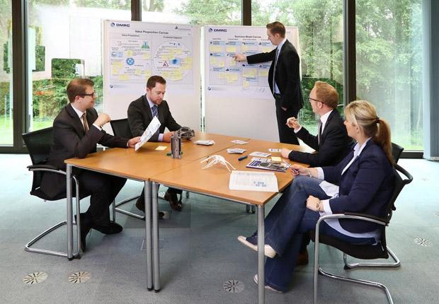 Unterstützung bei der Geschäftsmodellgestaltung mit dem Heinz Nixdorf Institut und DMRC . (Foto: Heinz Nixdorf Institut)