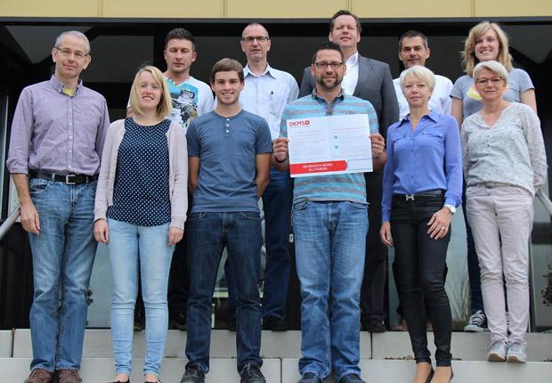 Buschjost Mitarbeiter helfen gerne – im Bild nur einige der fleißigen Spender. (Foto: Buschjost GmbH)