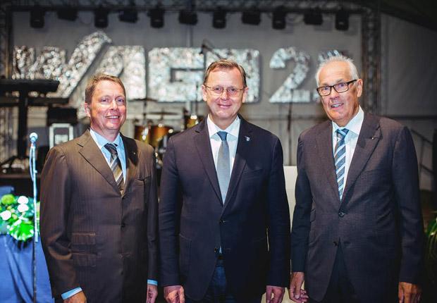 Wolfgang und Sven Hohorst (links) mit Ministerpräsident Bodo Ramelow (Mitte). (Foto: WAGO)