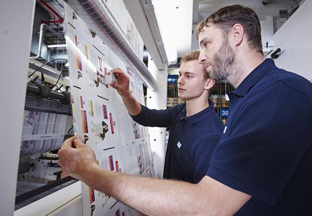 Blick in die Produktion bei Bischof + Klein in Lengerich (Foto: Bischof + Klein)