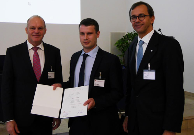 v. l. n. r.: Kai Seppeler, Tobias Liebmann, Prof. Dr.-Ing. Ralf Feser. (Foto: GfKORR)