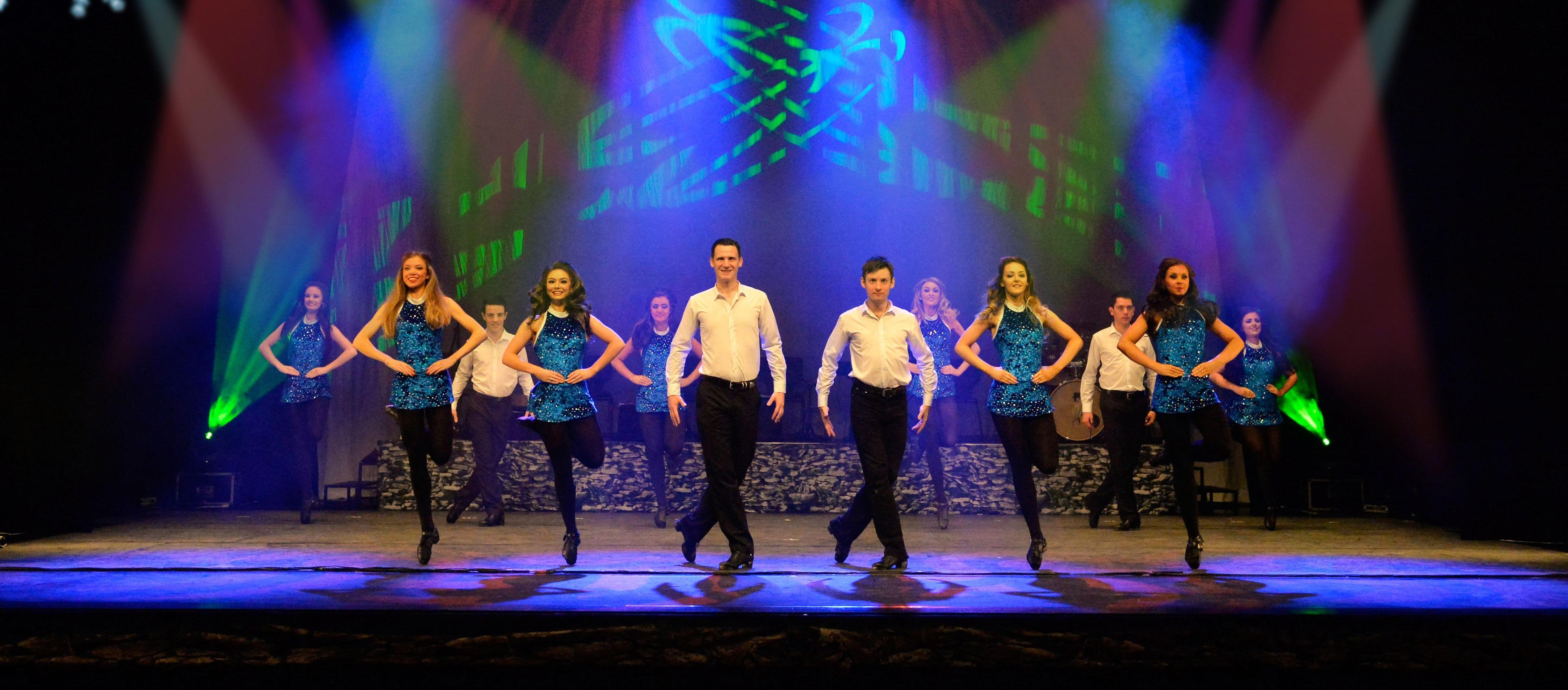 Die Danceperados of Ireland entführend Zuschauer in OWL in die Welt irischer Weihnachtsbräuche (Foto: Paulis)