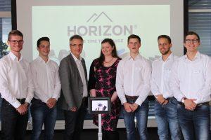 """Überzeugten durch ein detailliertes Unternehmensgründungskonzept: das Projektteam """"Horizon Clocks GmbH"""" (Foto: Hochschule OWL)"""
