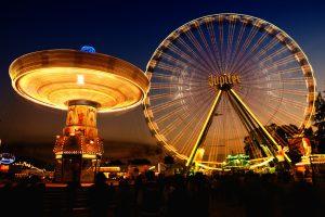 Volksfeste sind und bleiben ein willkommener Anlass für eine Verkaufsöffnung am Sonntag (Foto: FrankWinkler@pixabay)
