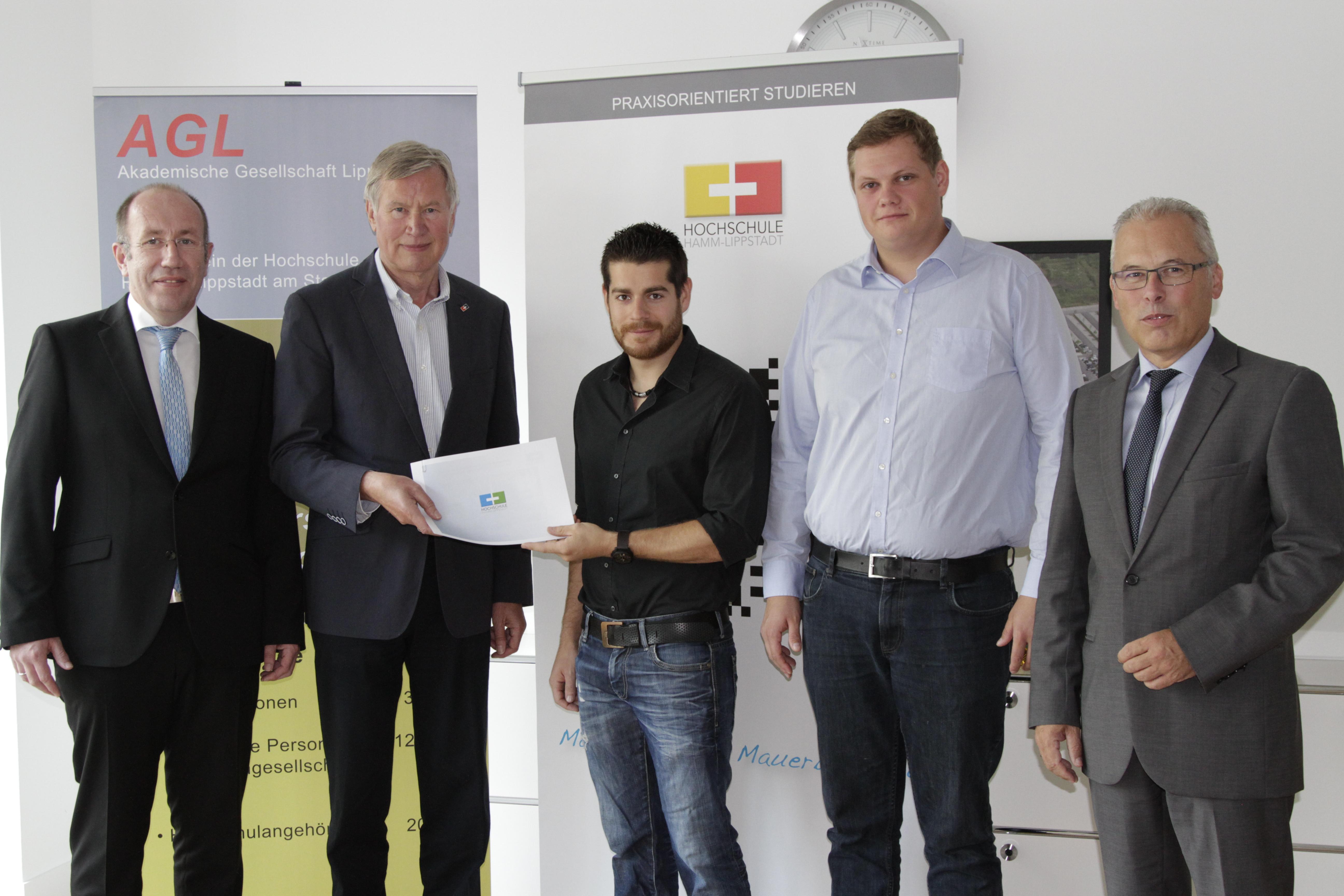 Zwei Studierende der HSHL werden mit einem Gründerstipendium gefördert (Foto: Hochschule Hamm-Lippstadt)