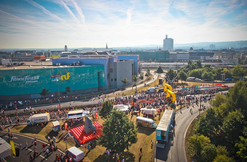 """Beim """"Stadtwerke run & roll day"""" gehört die Autobahn Läufern und Skatern (Foto: Bielefeld Marketing GmbH)"""
