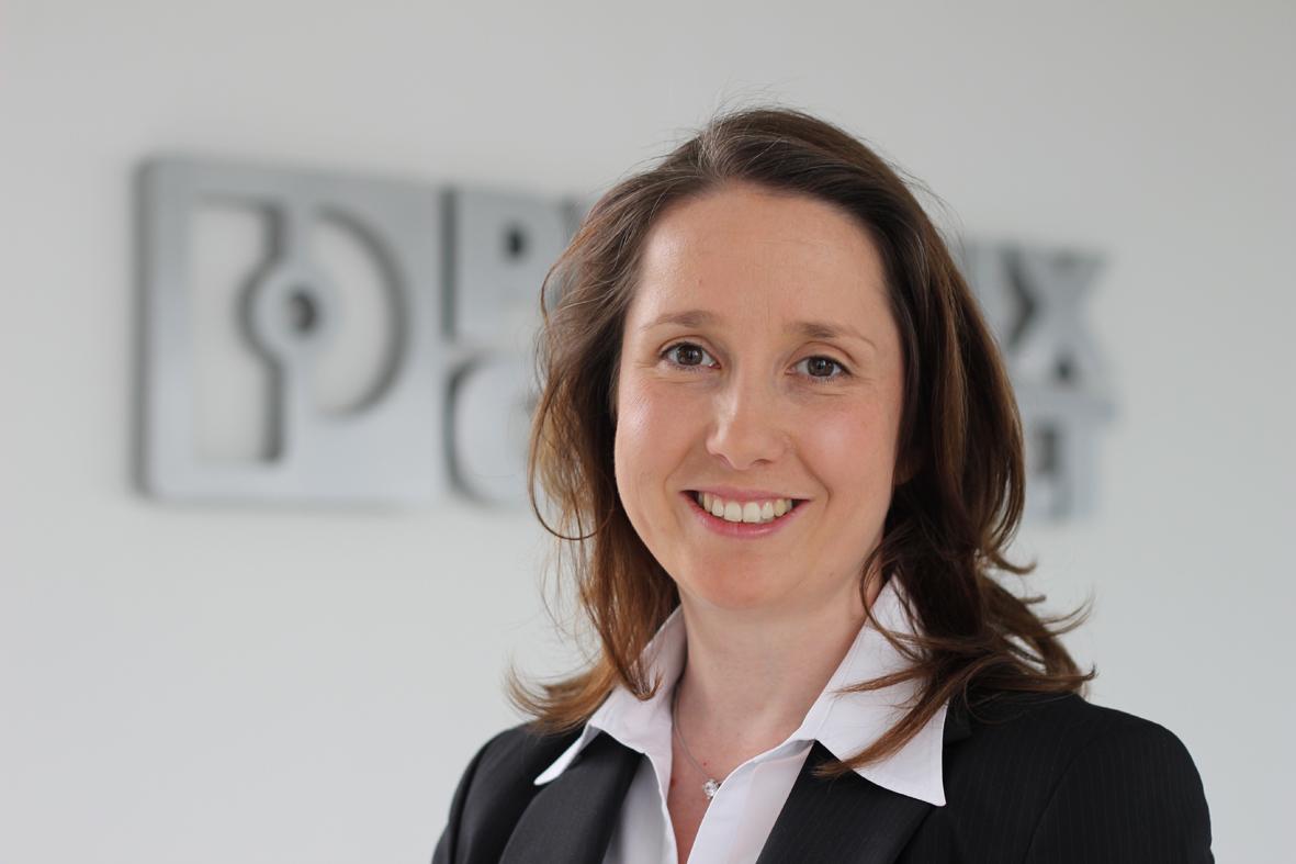 Sandra Klocke von Phoenix Contact freut sich über die Kooperation mit Epsilon (Foto: Phoenix Contact)