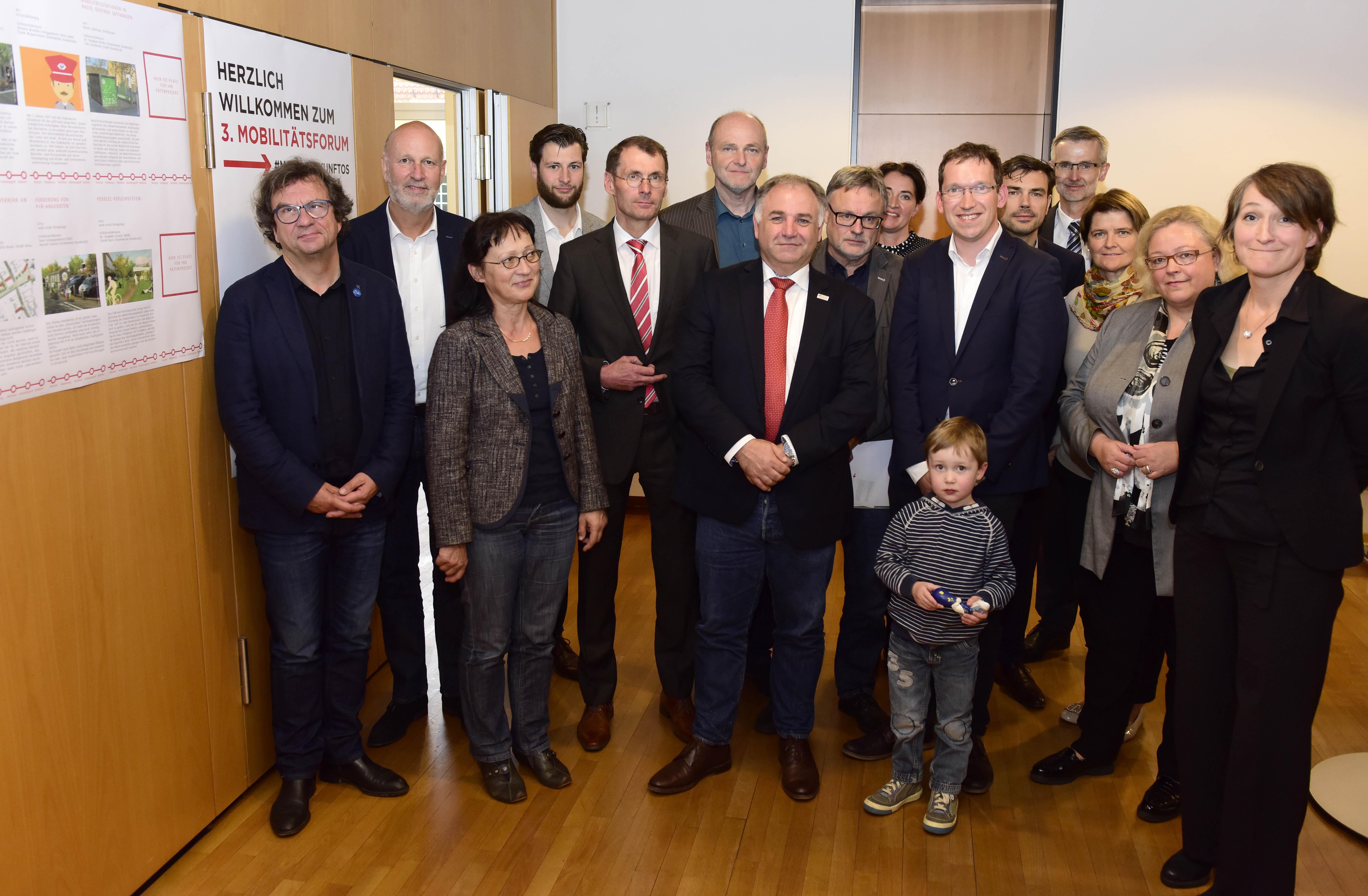 Vertreter aus Wirtschaft, Handel und Verbänden diskutierten beim 3. Mobilitätsforum in der IHK Osnabrück Veränderungen in der städtischen Mobilität (Foto: Hermann Pentermann)